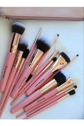 Makeup brushes UAE